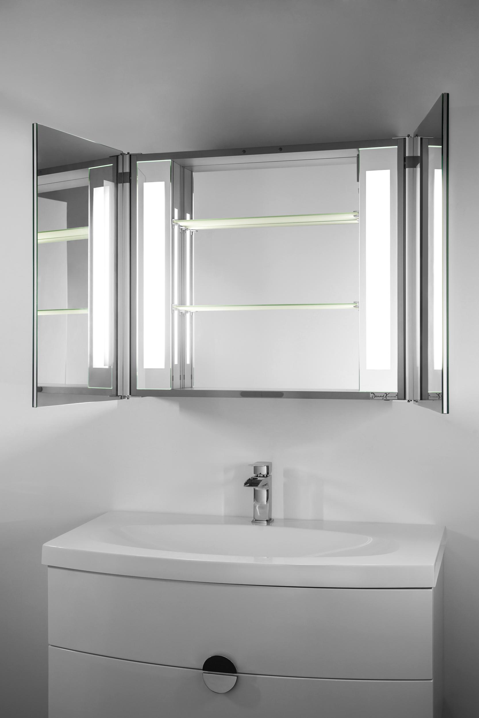 armoire de toilette anti bu e avec capteur et prise rasoir int rieure k80p. Black Bedroom Furniture Sets. Home Design Ideas