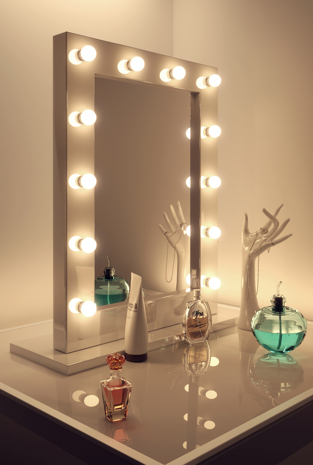 Diamond x gloss white hollywood makeup mirror daylight for Miroir pour coiffeuse ikea